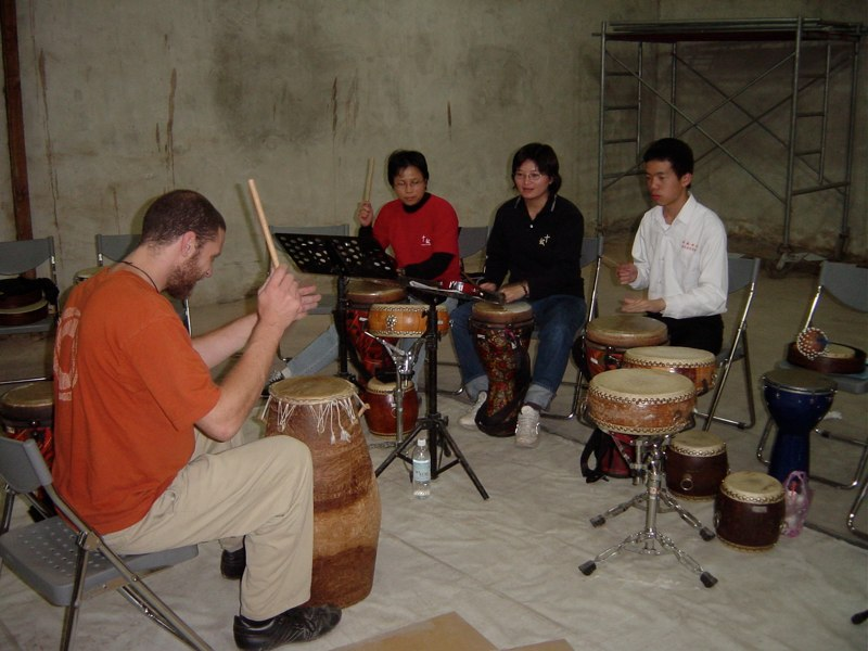 Andrew with students - Taiwan 2006