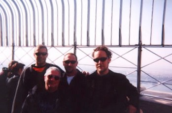 Hands On'Semble on top of the Empire State Building, New York, 2001